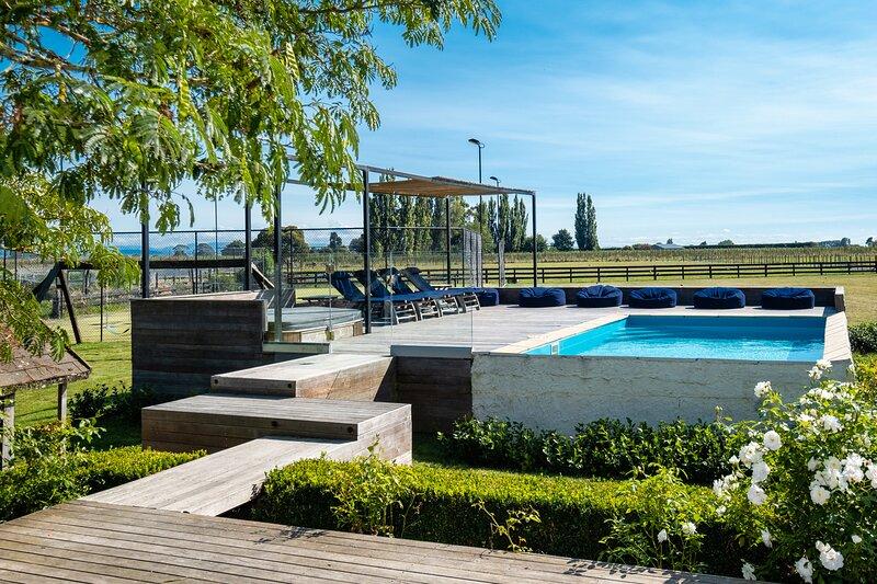 Lawn Road Retreat, aluguéis de temporada em Clive