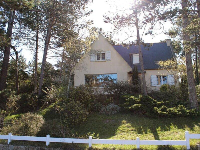 A ERQUY, AU DOMAINE DE LANRUEN, une résidence privée de 25ha, aluguéis de temporada em Erquy