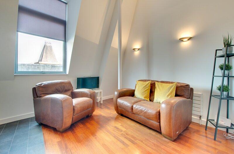 City Centre Loft Apartment, holiday rental in Woolsington