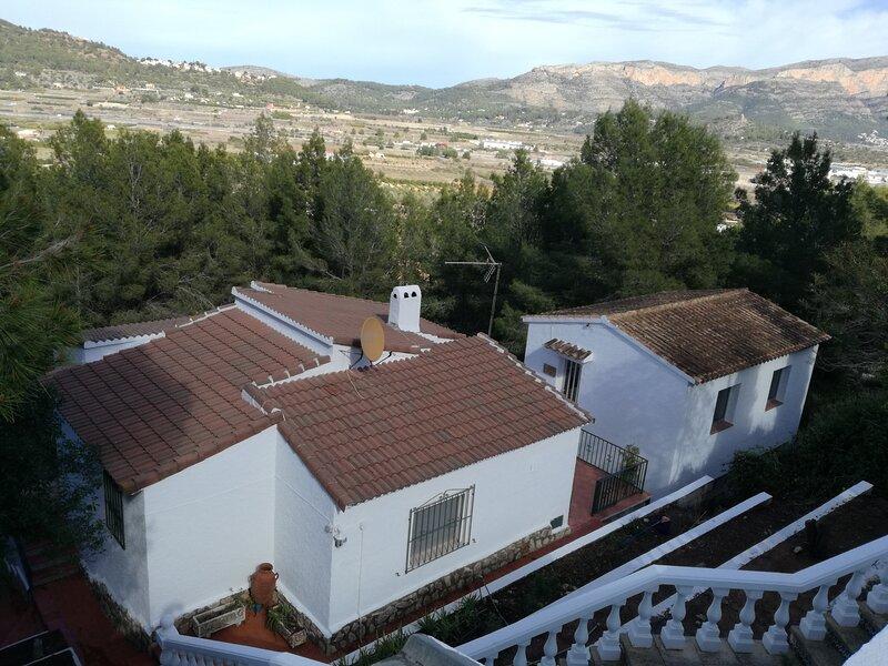 Chalet con bosque privado cerca de Dénia y Javea, vacation rental in Muntanya la Sella