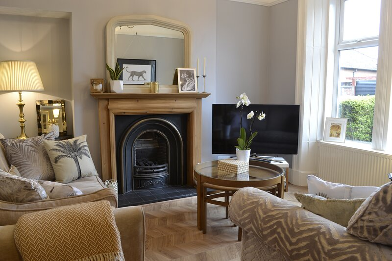 Number 3 at Victoria Edwardian Townhouse Dumfries, vacation rental in New Abbey