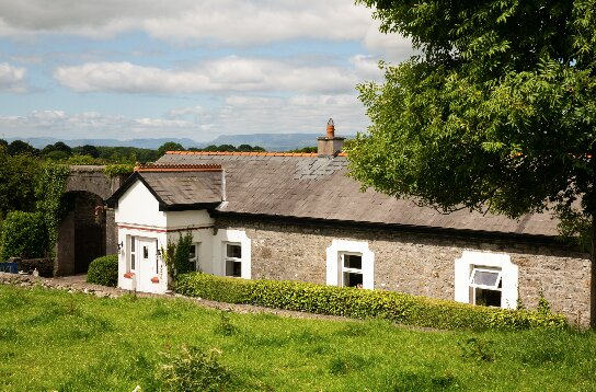 17th Century Granary, Claremorris, Co. Mayo, holiday rental in Castletownshend