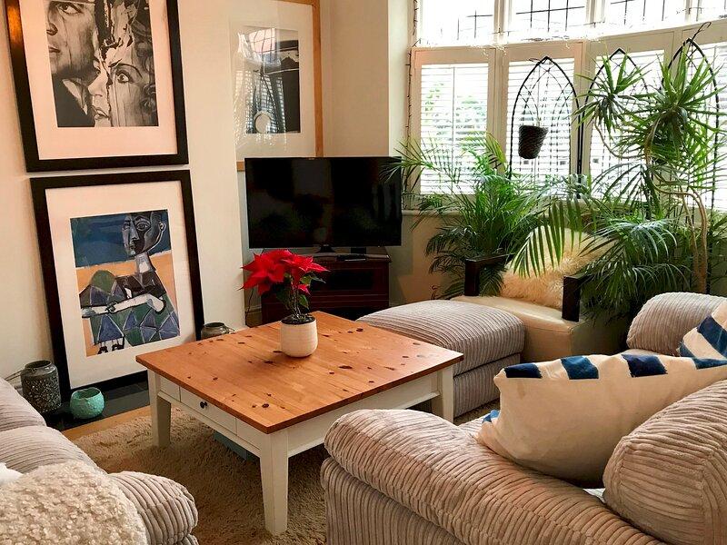 Headington Orchard - 3 Bedroom House & parking & garden, holiday rental in Easington