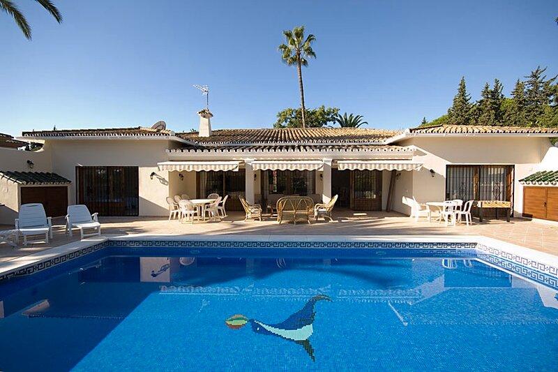 Villa Casa La Concha, Puerto Banus, vacation rental in Marbella