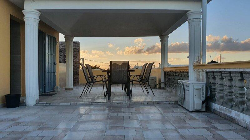 Spacious house with balcony & Wifi, holiday rental in Santo Domingo Este