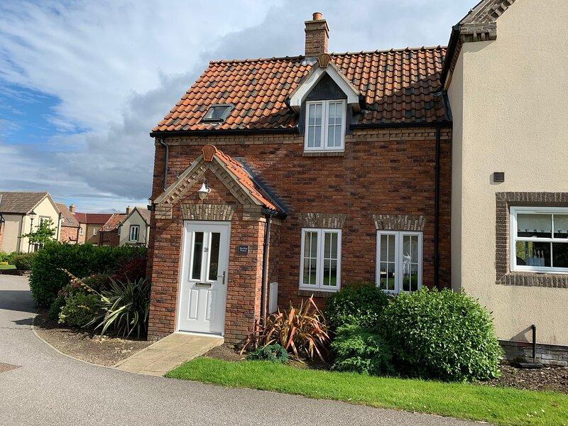Anchor Down Cottage, sleeps 6, wifi, pool, gym, beach nearby – semesterbostad i Hunmanby