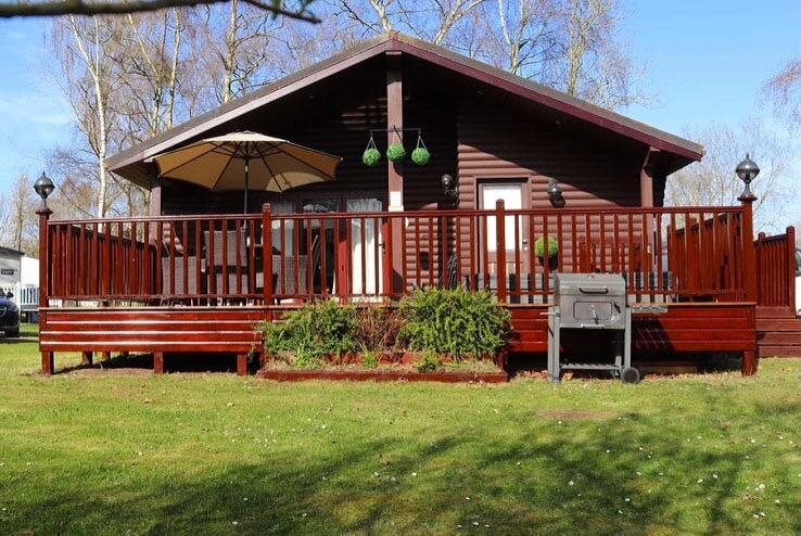 Heron Lodge, 20 Duck Lake, Tattershall Lakes Country Park, holiday rental in Tattershall