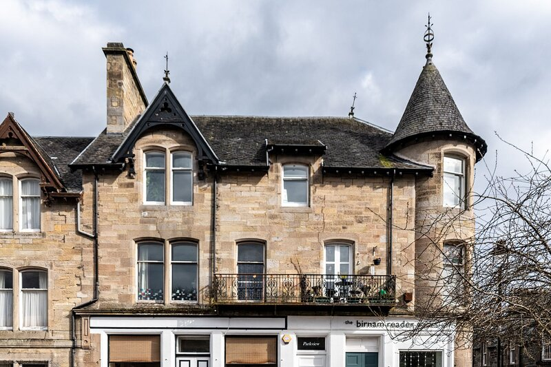 Parkview Apartment Dunkeld - 2 bedroom holiday rental, holiday rental in Birnam
