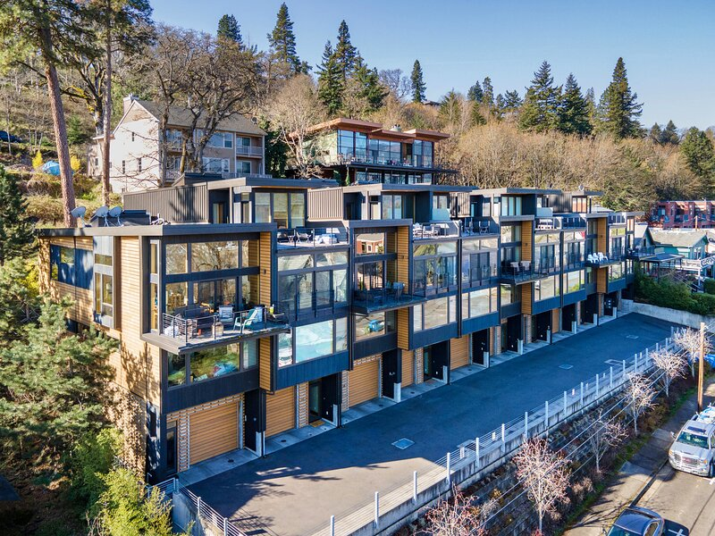 FOUR, holiday rental in Hood River