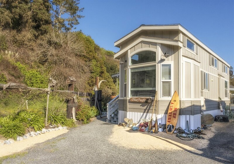 Blue Pacific - Brand NEW tiny home within minutes of the beach and historic Noyo, vacation rental in Fort Bragg