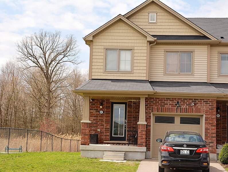 Quiet and Beautiful home, holiday rental in Thorold