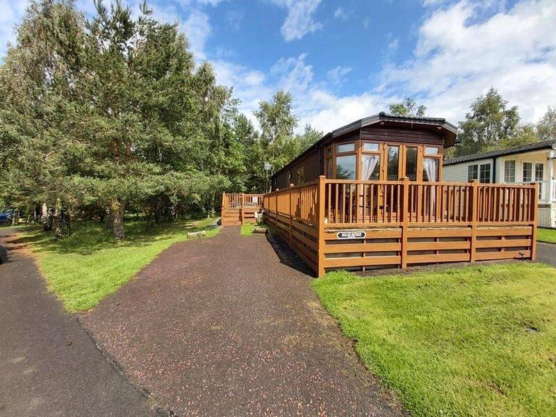Hollie's Retreat - beautiful lodge, with hot tub, dog friendly, Northumberland, aluguéis de temporada em Felton