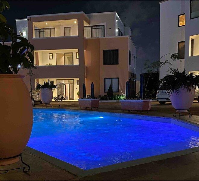 Immaculate 2-Bed Apartment at PamV Estates Apt2, alquiler vacacional en Adenta