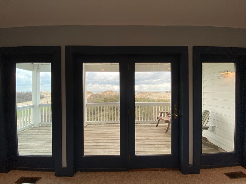 SEA FOREVER Oceanfront Outerbanks Vacation Rental, 6 Bedrooms, casa vacanza a Currituck