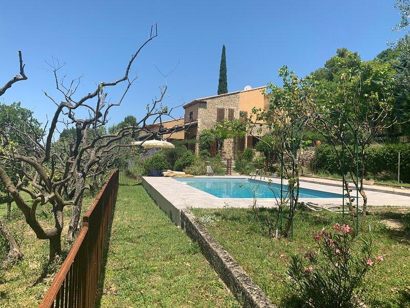 Maison d'architecte dans un havre de paix provençal, location de vacances à Vaucluse