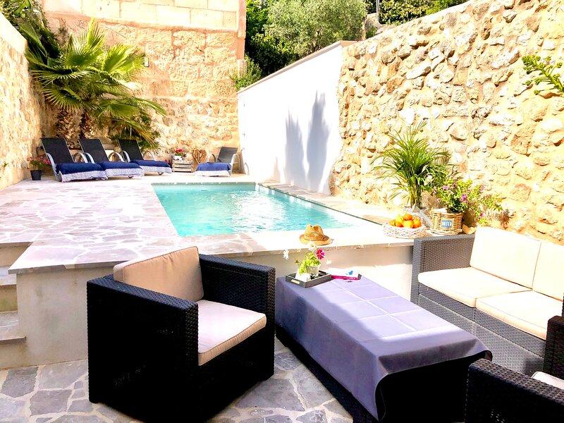 Time to chill in our Villa Romantica!�, alquiler de vacaciones en Sant Joan