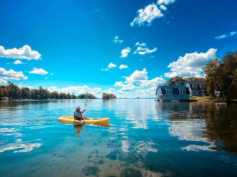 Thousand Islands Riverfront - Osprey Lodge at Oak Point, holiday rental in Morristown