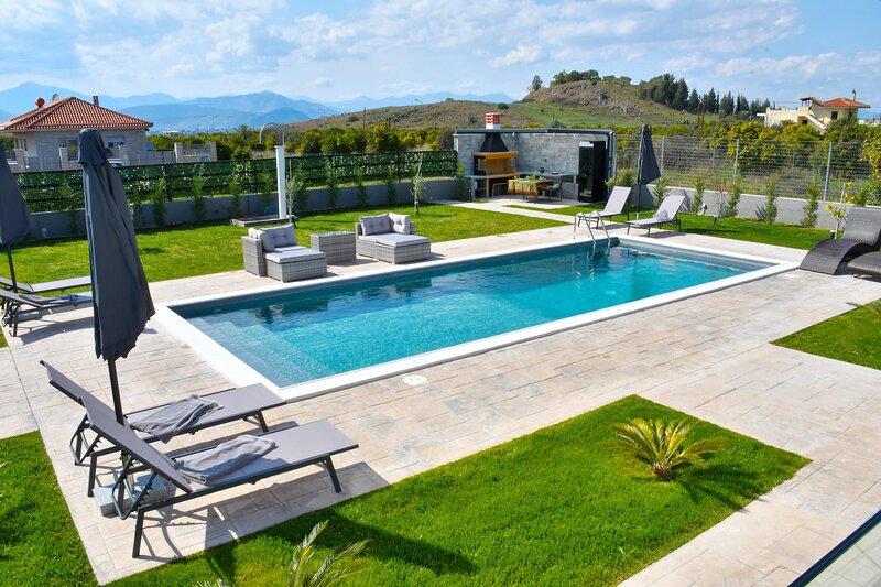 Serenity House, location de vacances à Nea Tiryntha