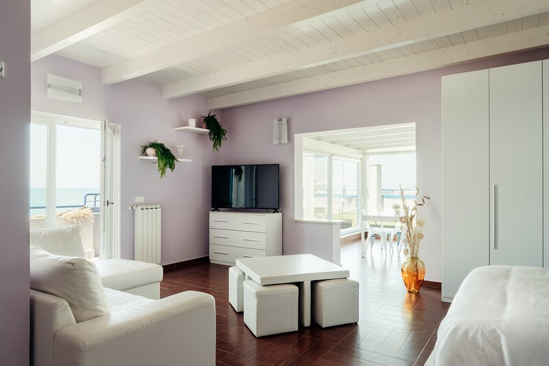 LOVE Attic, holiday rental in Isola Sacra
