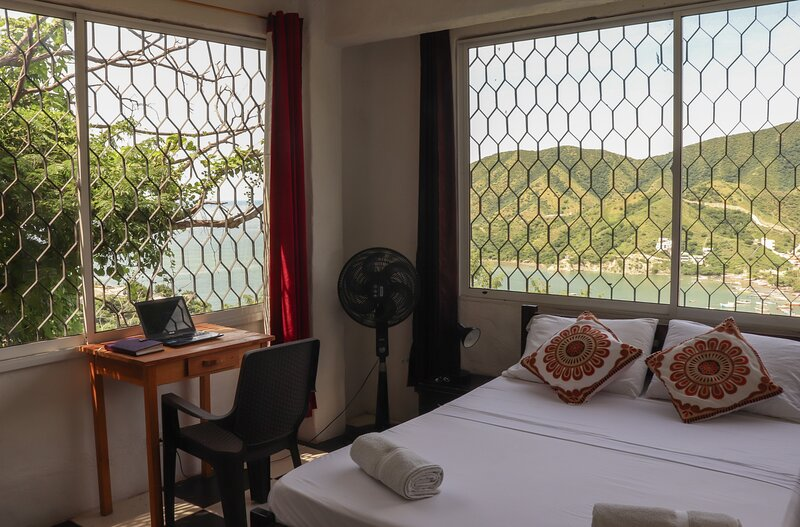 Private room with beautiful view in Taganga, alquiler de vacaciones en Taganga