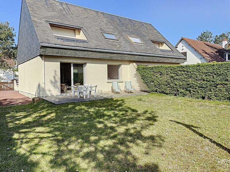 Appartement rdc, 4 couchages, avec jardin, à Jullouville, location de vacances à Champeaux