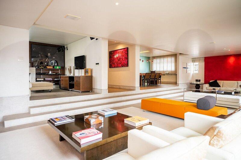 Sao007 - 4 bedroom apartment in the heart of São Paulo, holiday rental in Sao Paulo