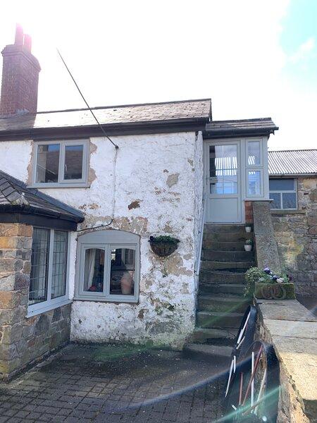 Halkyn Mountain Studio Barn - Y Lloft, vacation rental in Flintshire