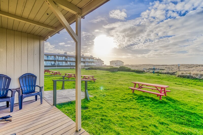 Oyster Condo #6, holiday rental in Moclips