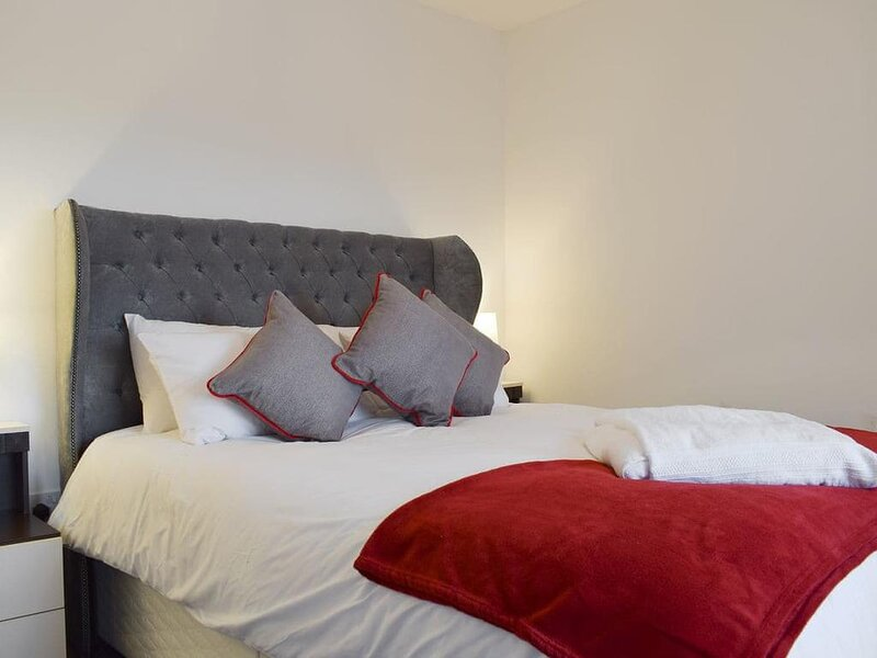 Forth View Apartment, vacation rental in South Queensferry