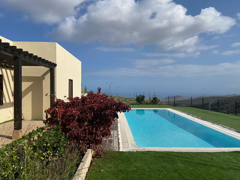 2bedroom country house with pool and sea view, holiday rental in Arico