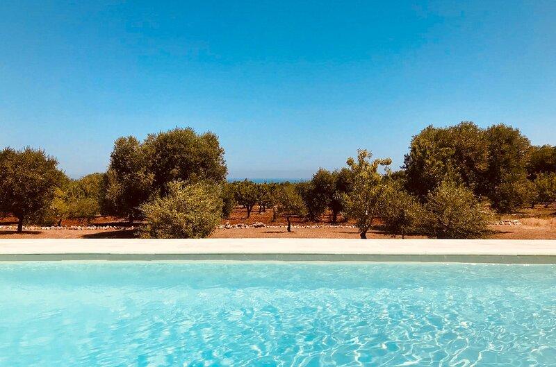 Villa Ostuni - Ostuni Holiday - Villa con piscina, holiday rental in Costa Merlata