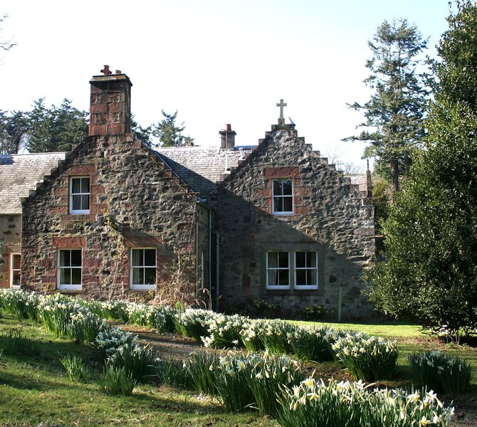 Beech Tree Cottage - Fingask Castle, holiday rental in Perth