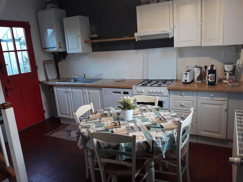 Lescale Arquaise, la maison au jardin fleuri, alquiler de vacaciones en Saint-Vaast-d'Equiqueville