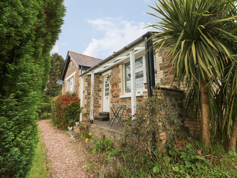 MUDDYKINS COTTAGE, WIFI, incredible countryside views, summer house, Ref 968170, holiday rental in Muddiford