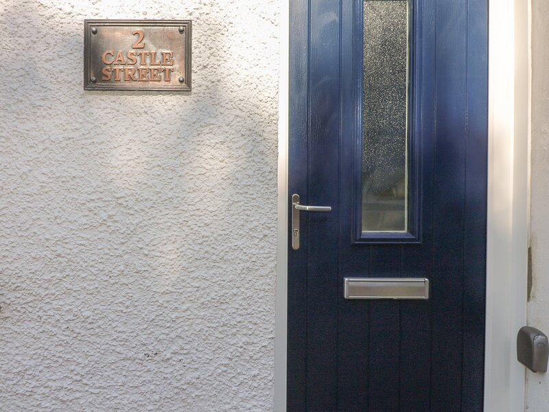 2 Castle Street, Narberth, holiday rental in Molleston
