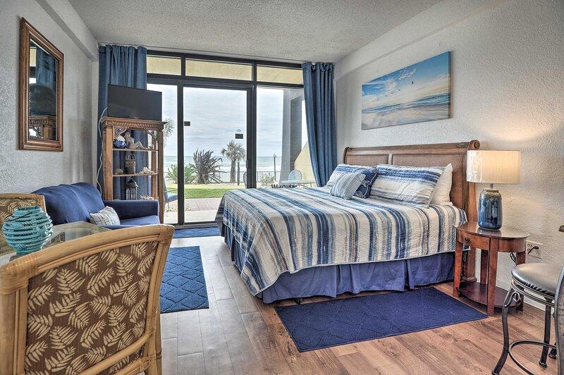NEW! Hawaiian Inn Couple's Studio w/ Beach Access!, casa vacanza a South Daytona