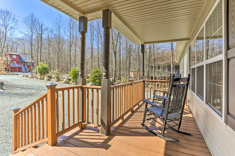 NEW! Picturesque Lake Ariel Getaway w/ Game Room!, holiday rental in South Canaan