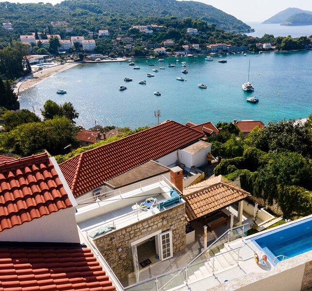Villa Baburizza - Three-Bedroom Villa with Pool, holiday rental in Kolocep Island