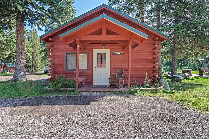 Log Hut Cabin on Spearfish Creek, holiday rental in Lead