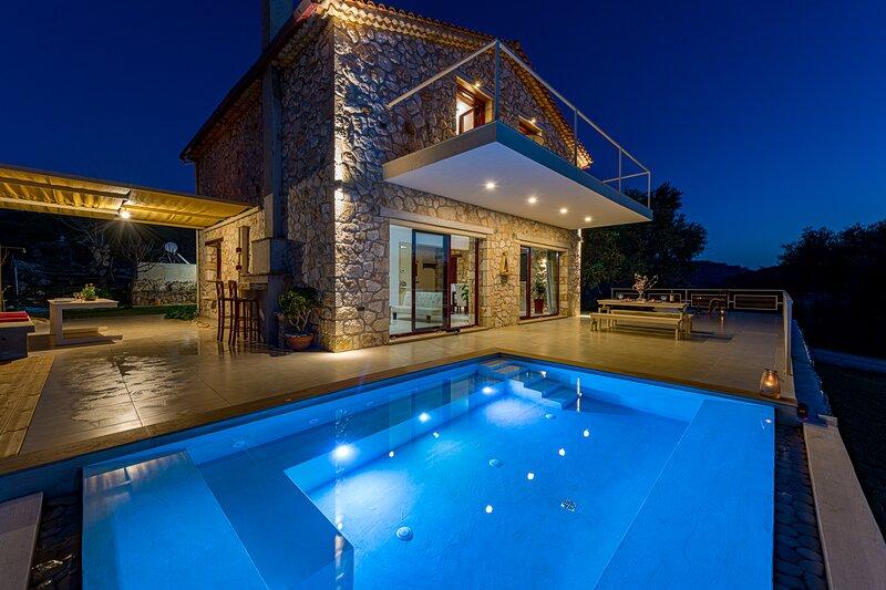 Villa Arca - Enchanting Sunset of Zakynthos!!, location de vacances à Keri Village