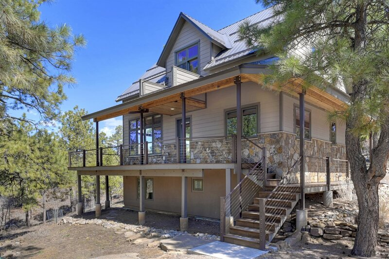 Woodland Hill House Durango Colorado  Comfortable Contemporary Home in a Foothil, holiday rental in Hesperus