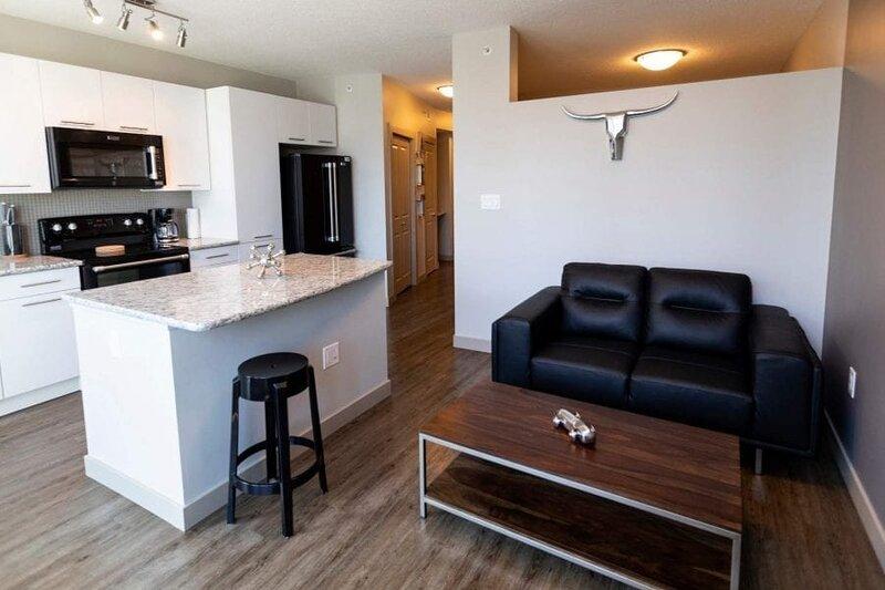 Corporate Stays | Mayfair | Cozy Studio, holiday rental in Fort Saskatchewan