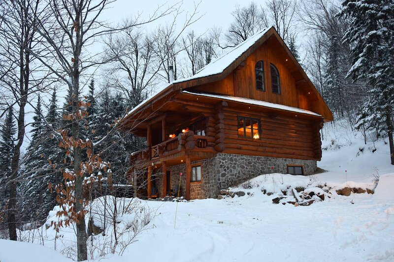 Chalet Le Alexandre, holiday rental in Val-des-Lacs