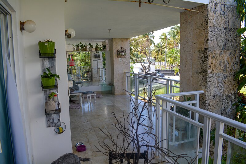 Spacious seafront apartment in Punta Cana, holiday rental in Uvero Alto