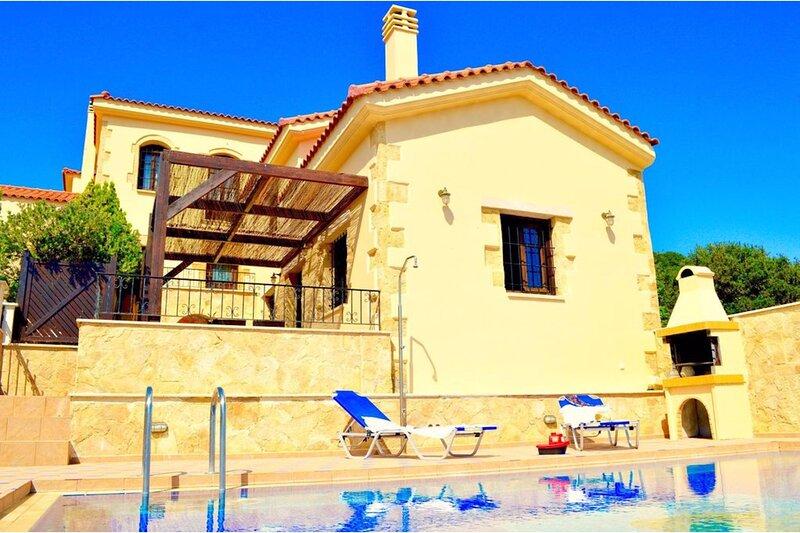 Villa Sevi Bella Crete, alquiler vacacional en Nochia