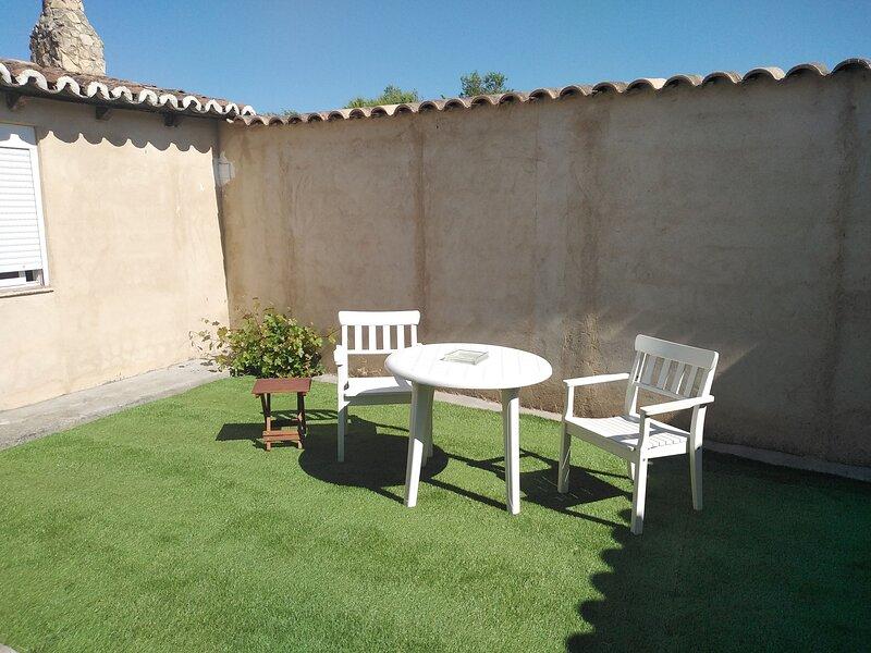 Amazing house with terrace & Wifi, location de vacances à Castrodeza