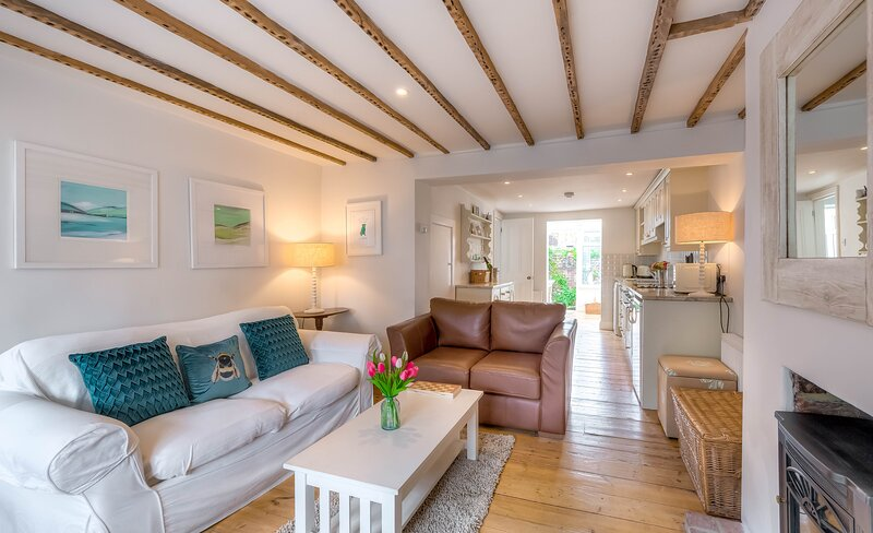 Quaint and charming cottage in central Arundel, holiday rental in Littlehampton