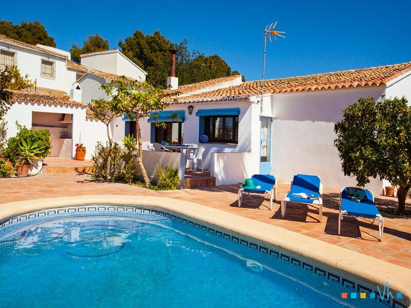 TOSSALET - Típica villa mediterranea para 6 personas en Benissa, holiday rental in Canor