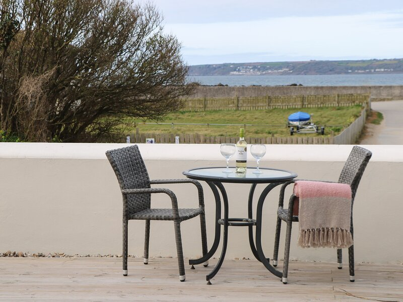 BEACHCOMBER, fantastic views, open plan, in Marazion, Ref 980033, Ferienwohnung in Marazion