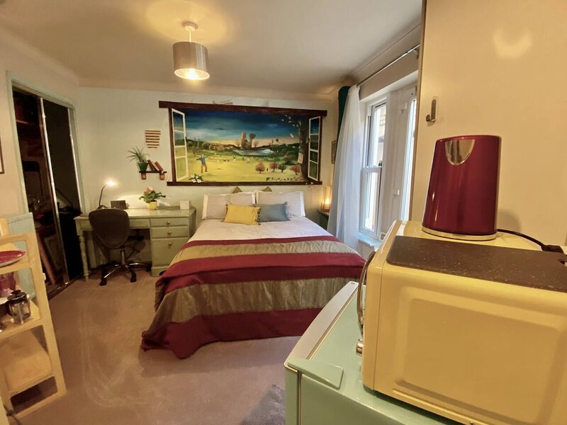 Stylish Arty 1-Bed Studio in Cambridge, holiday rental in Waterbeach